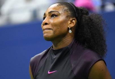 Tin tac Nga tung du lieu Serena Williams dung chat cam hinh anh