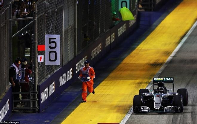 Rosberg dang quang, Hulkenberg dinh tai nan nat xe hinh anh 12