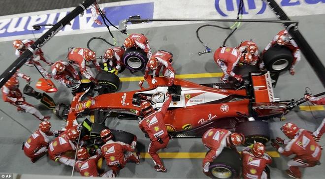 Rosberg dang quang, Hulkenberg dinh tai nan nat xe hinh anh 14