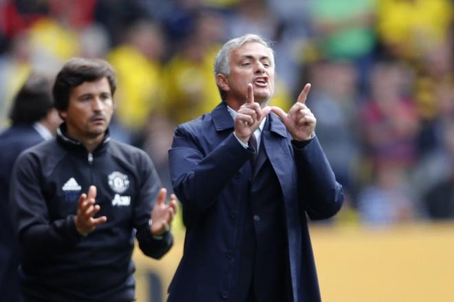 Mourinho luon kiem co do loi anh 1