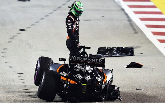 Rosberg dang quang, Hulkenberg dinh tai nan nat xe hinh anh