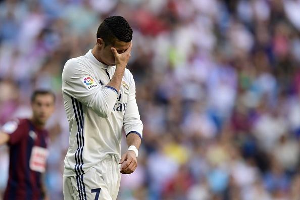 Ronaldo kem duyen, Real khong thang tran thu 4 lien tiep hinh anh 17