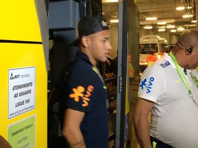 Neymar toa sang va do mau o chien thang 5-0 cua Brazil hinh anh 7