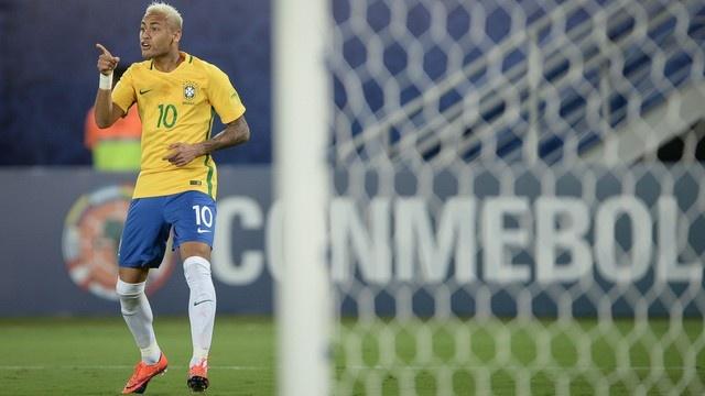 Neymar toa sang va do mau o chien thang 5-0 cua Brazil hinh anh 16