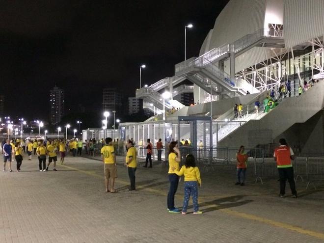 Neymar toa sang va do mau o chien thang 5-0 cua Brazil hinh anh 6