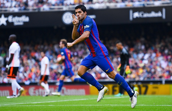 Messi lap cu dup, Barcelona thang kich tinh Valencia hinh anh 13