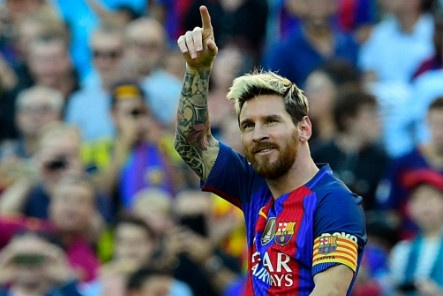 Messi lap cu dup, Barcelona thang kich tinh Valencia hinh anh