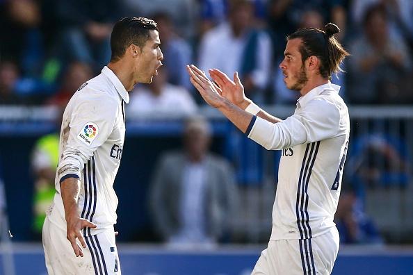 Ronaldo lap hat-trick, Real thang dam Alaves 4-1 hinh anh 20