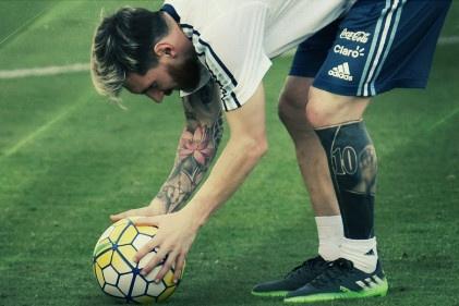 Messi xam hinh doc dao truoc dai chien Brazil hinh anh