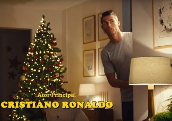 Ronaldo dong phim 'O nha mot minh' hinh anh