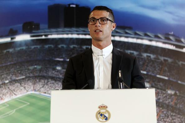 Ronaldo gap rac roi vi cap kinh tung bi che gieu hinh anh 1