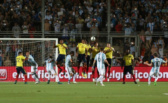 Argentina vs Colombia (3-0): Diem 10 cho Messi hinh anh 13