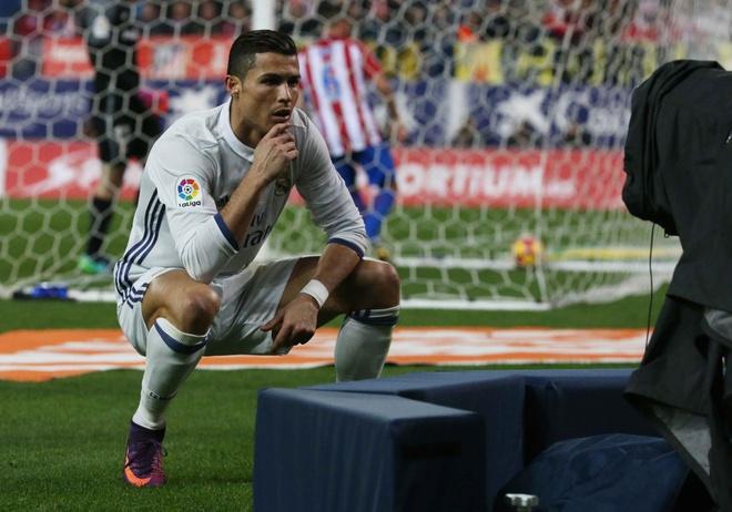 Ronaldo va con trai anh 1