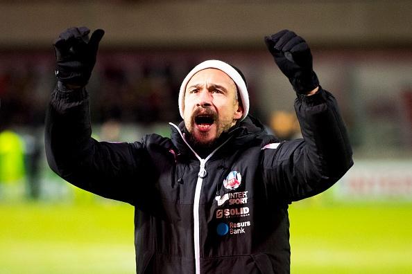 Huyen thoai Henrik Larsson thu the, san sang chien lai fan hinh anh