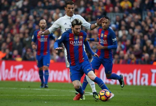 Barca vs Real (1-1): Cuu tinh Sergio Ramos hinh anh 26