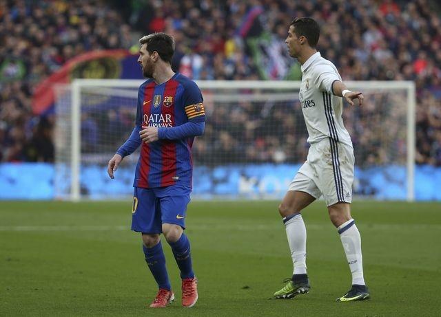 Barca vs Real (1-1): Cuu tinh Sergio Ramos hinh anh 23
