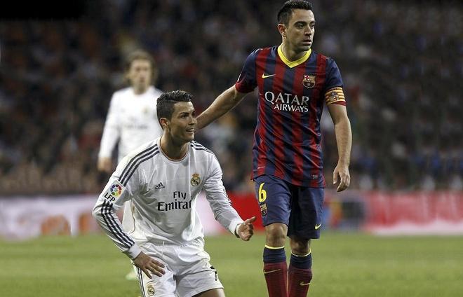 Xavi soc truoc thong tin Ronaldo tron thue hinh anh