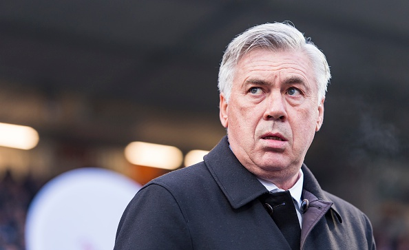Douglas Costa lap sieu pham, Bayern nhoc nhan len ngoi dau hinh anh 15