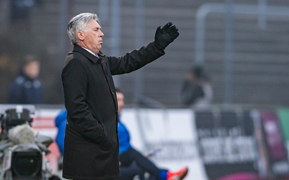 Douglas Costa lap sieu pham, Bayern nhoc nhan len ngoi dau hinh anh 20