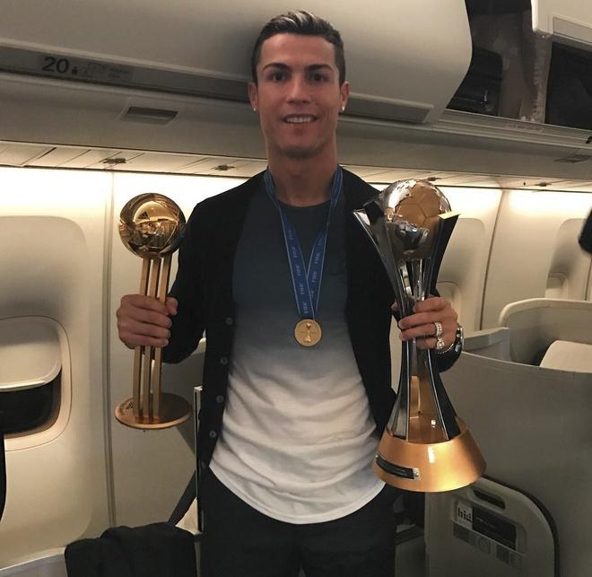 Ronaldo an mung chuc vo dich anh 5