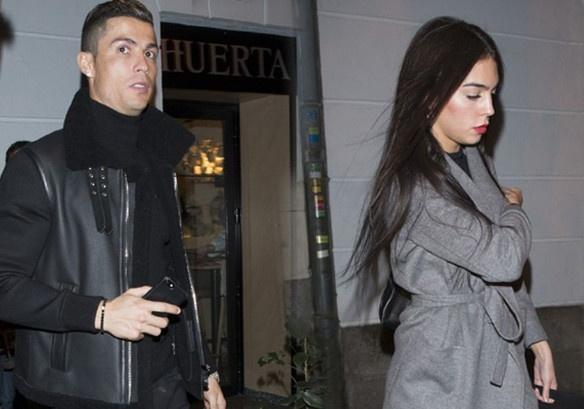 Ronaldo an mung chuc vo dich cung ban gai moi hinh anh