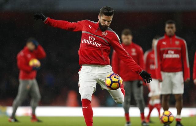 Giroud lap sieu pham 'bo cap' giup Arsenal tro lai top 3 hinh anh 12
