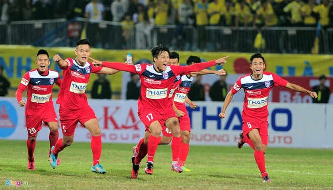 Ha Noi 3-2 Quang Ninh: Quang Hai lap cu dup sieu pham hinh anh 4