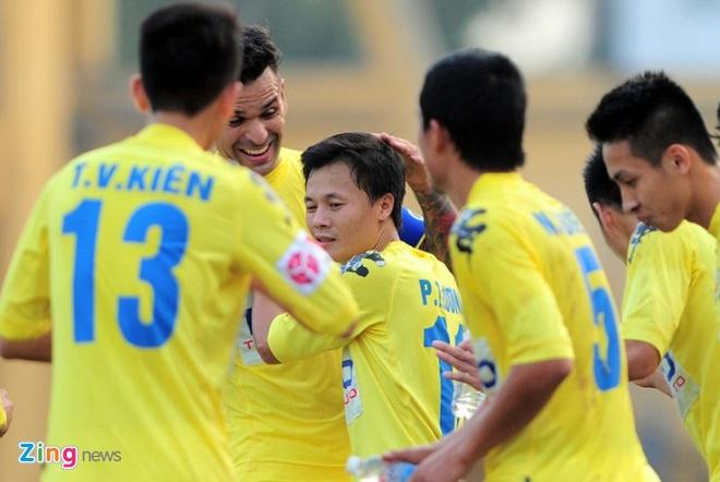 Ha Noi 3-2 Quang Ninh: Quang Hai lap cu dup sieu pham hinh anh 2