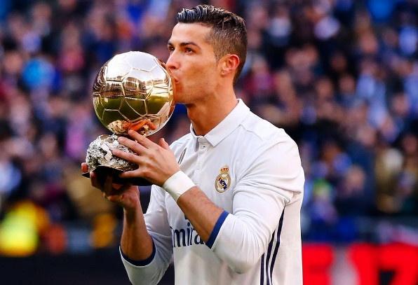 Ronaldo doat giai Cau thu hay nhat nam cua FIFA hinh anh 1