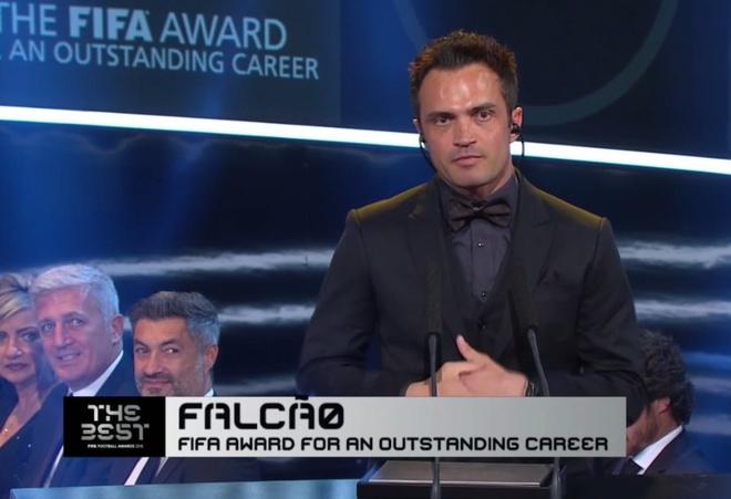 Ronaldo doat giai Cau thu hay nhat nam cua FIFA hinh anh 45