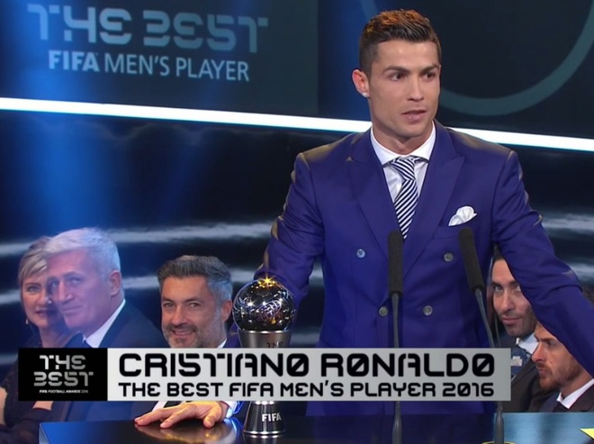 Ronaldo doat giai Cau thu hay nhat nam cua FIFA hinh anh 48