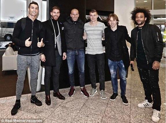 Ronaldo doat giai Cau thu hay nhat nam cua FIFA hinh anh 31