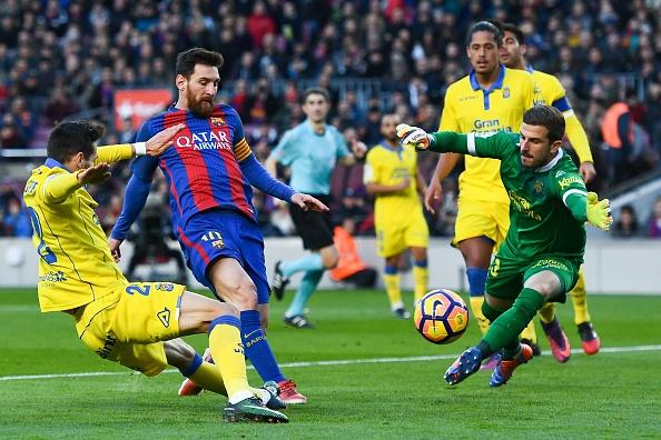 Barcelona vs Las Palmas (5-0): Messi hoan tat bo suu tap hinh anh 11