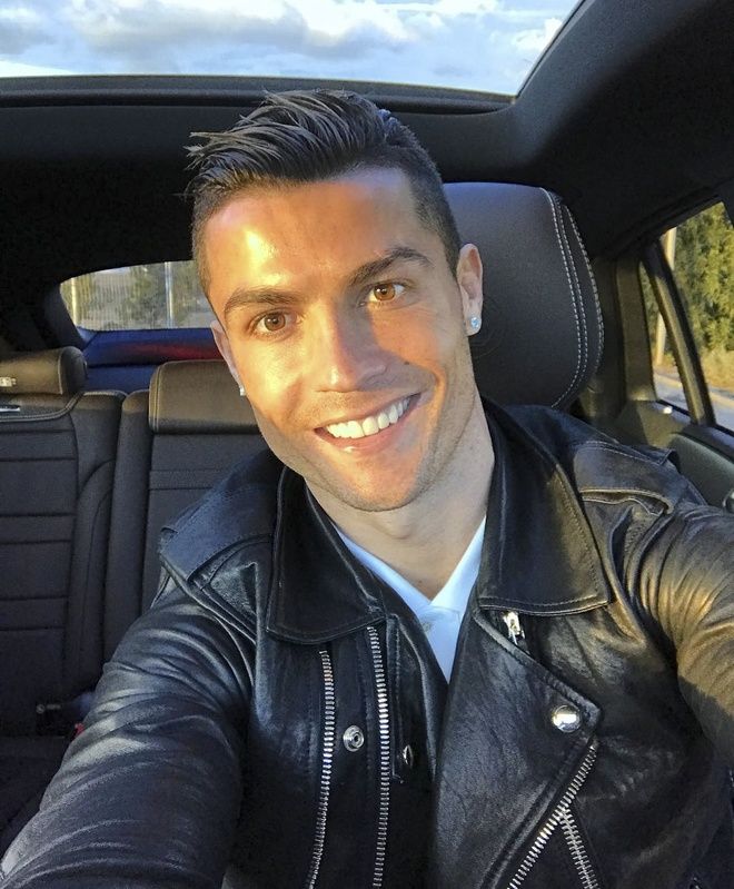 Ronaldo cuoi tuoi quen di that bai hinh anh 1