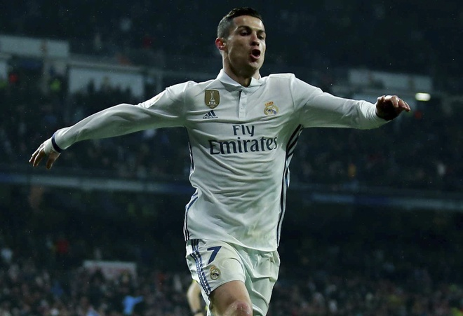 Ronaldo lap cong va kien tao giup Real thang dam Sociedad hinh anh