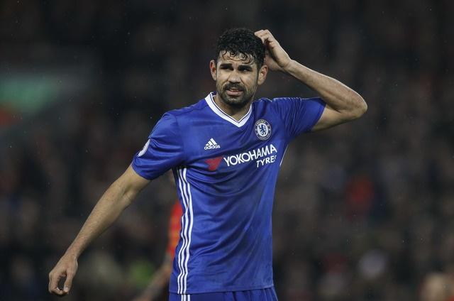 Diego Costa da hong phat den, Chelsea hoa Liverpool 1-1 hinh anh