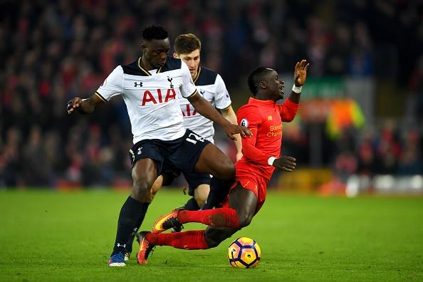 Liverpool 2-0 Tottenham: The Kop tro lai top 4 hinh anh 20