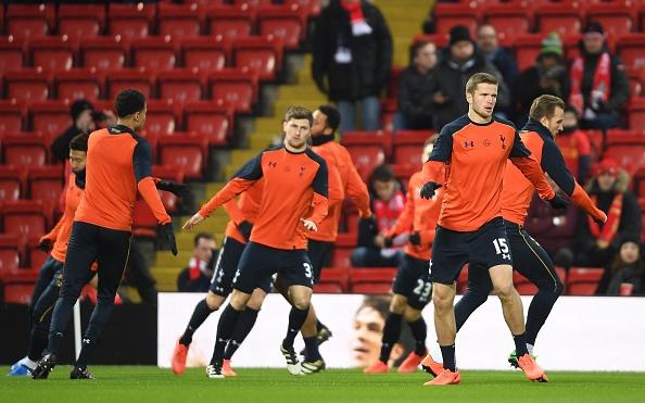 Liverpool 2-0 Tottenham: The Kop tro lai top 4 hinh anh 12