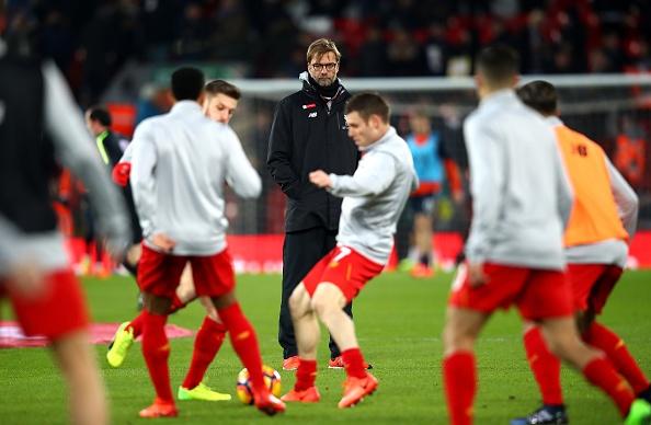 Liverpool 2-0 Tottenham: The Kop tro lai top 4 hinh anh 11