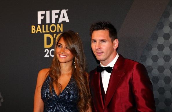 Messi to chuc tiec cuoi hoanh trang trong he toi hinh anh
