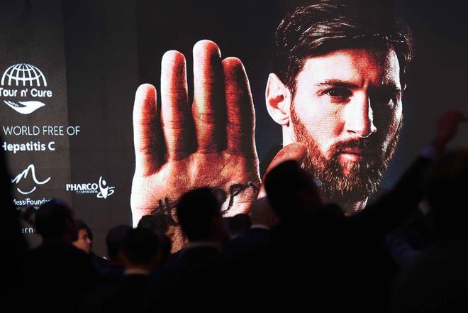 Ronaldo khoe sieu xe, Messi du su kien o Ai Cap hinh anh 4