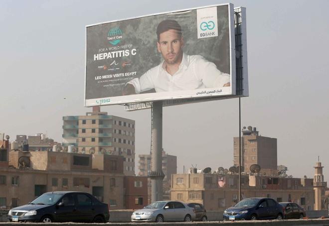 Messi duoc tiep don nhu ong hoang tai Ai Cap hinh anh 2