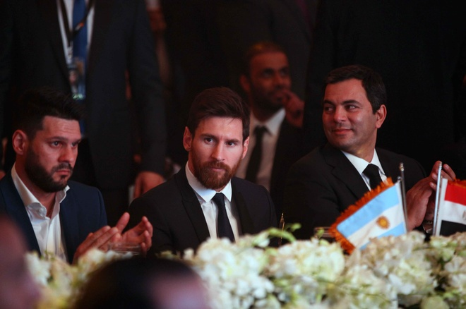 Messi duoc tiep don nhu ong hoang tai Ai Cap hinh anh 1