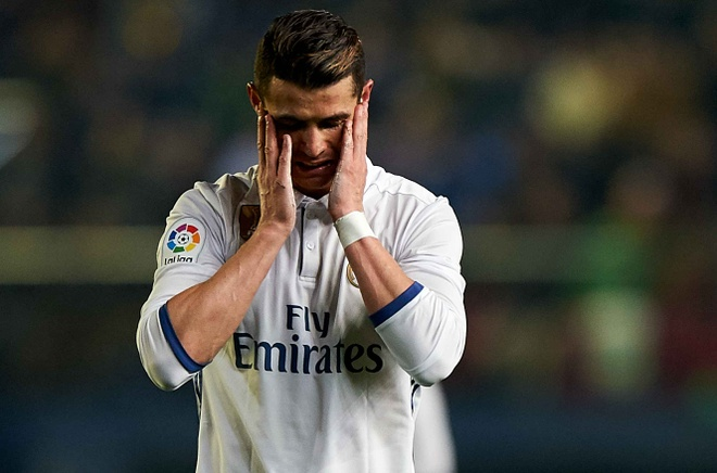 5 cau thu Real khong hai long voi Ronaldo hinh anh 1