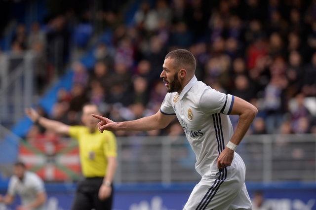 Eibar 1-4 Real: Benzema toa sang trong ngay vang CR7 hinh anh 14