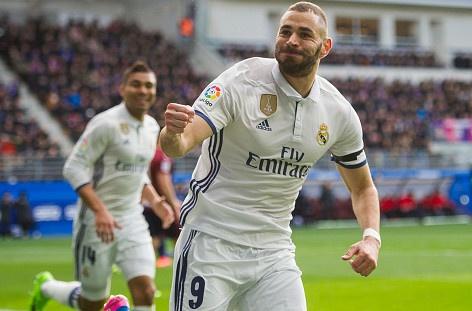 Eibar 1-4 Real: Benzema toa sang trong ngay vang CR7 hinh anh