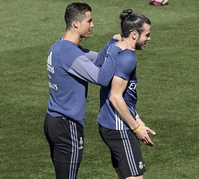 Ronaldo vui ve treu dua Bale anh 2