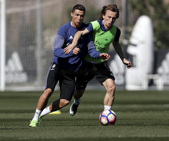 Ronaldo vui ve treu dua Bale anh 3
