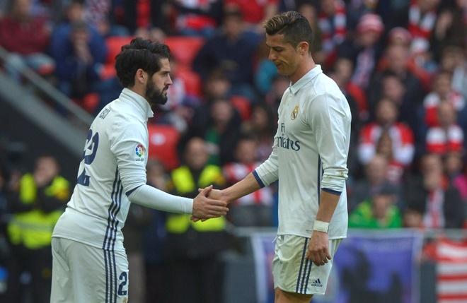 Ronaldo vang tuc khi bi thay ra? hinh anh 1