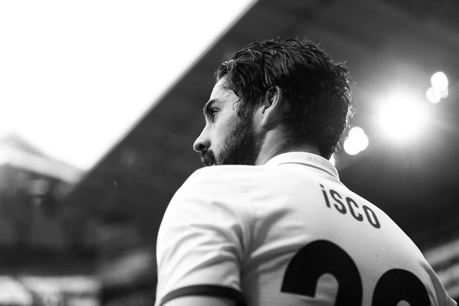 Barca dung tien du do Isco roi Real theo dien tu do hinh anh 1